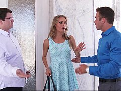 Nicole Aniston is getting pre-wedding blowjob