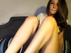 teen jaylynxxxx flashing boobs on live webcam