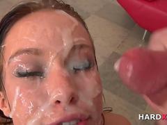 Blasen, Viele männer bespritzen eine frau, Spermaladung, Aufs gesicht abspritzen, Gruppensex, Gruppe, Ablutschen