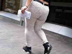 TAB CANDIDS- THICK LATINA LEOPARD JEANS