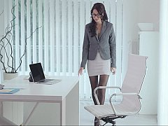 Bekleidet, Brille, Lingerie, Nackt, Büro, Sekretärin, Schüchtern, Strümpfe