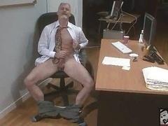 Bisexuelle, Grandpère, Bureau