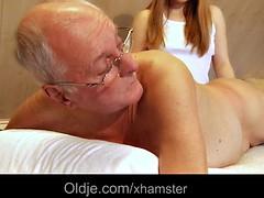 Handjob, Massage, Jungendliche (18+)