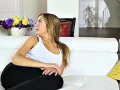 Gros seins, Tromperie, Pieds, Fétiche des pieds, Massage, Belle mère