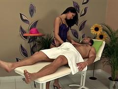 Braunhaarige, Massage