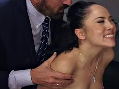 Анальный секс, Застукали, Измена, Двойное проникновение, Групповуха, Вечеринка, Порнозвезда, Жена
