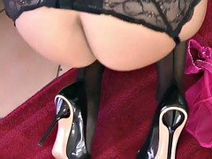 glamcore milf plays with kinky toys