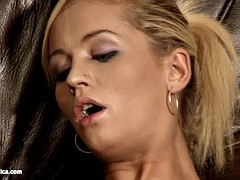 Lovemaking the lesbian way with Krissy and Sunshine on