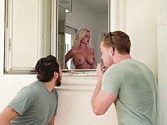 Américain, Salle de bains, Blonde, Femme couguar, Queue, Mère que j'aimerais baiser, Douche, Suçant