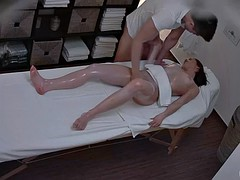 Amateur Girl Has Sex During Massage