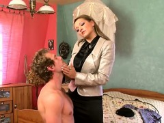 Sexy female-dom gives facesitting