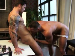 Muscle son flip flop and facial