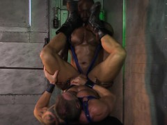 Muscly black hunk spunks
