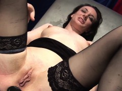 Gundula loves to explore her kinky side. Today she visits