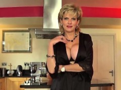 Unfaithful british milf lady sonia shows off her big natural