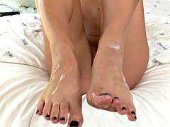 Footfetish loving babe gets fucked