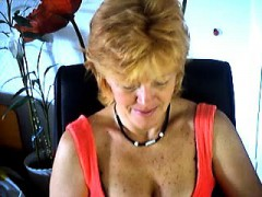 Mature masturbates on webcam Frankie from 1fuckdatecom