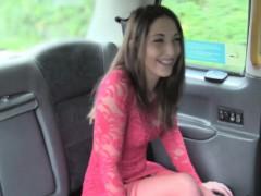 Gal got her pussy jizzed in taxi