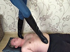 Veronika - boots trampling