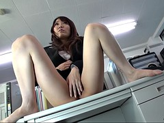 yuka tsubasa makes her female boss masturbating in the office