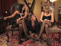 Blonde, Domination, Femelle, Femme dominatrice, 2 femmes 1 homme, Groupe, Maîtresse, Plan cul à trois