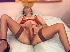 Biotch orgasme mature francaise avec chatte qui gicle