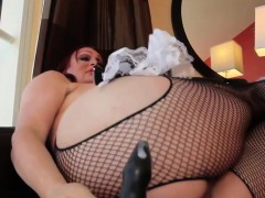Curvy tranny solo fun with buttplay and wank