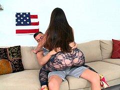 Américain, Cul, Gros cul, Brunette brune, Hard, Mère que j'aimerais baiser, Chevaucher, Suçant