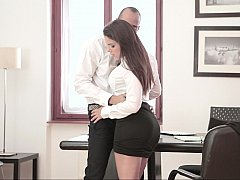Coworkers fucking, hot action during work hours
