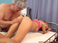 18yo massagist Rachel Evans makes an aged fart jism