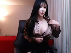 KBJ Subin strips her clothes and demonstrate her ultra-cute body. Look at that tits !